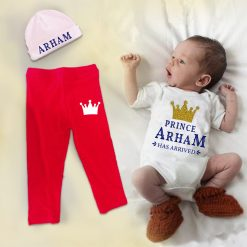 New-Born-Baby-Gift-Set-With-Beanie-Content